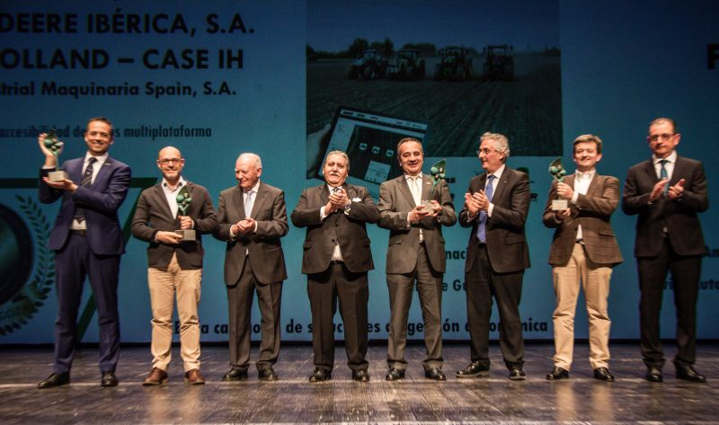 ENTREGA DE PREMIOS - 34 NEW HOLLAND-CASE IH-JOHN DEERE-CLAAS